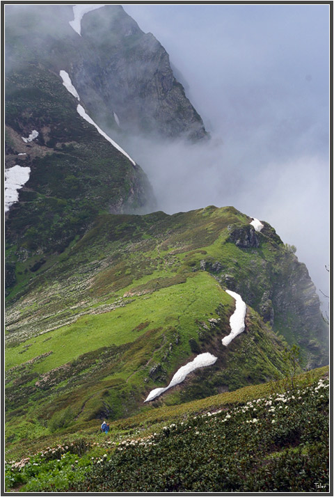 """фото """"Контрабандные облака над границей"""" метки: пейзаж, горы"""