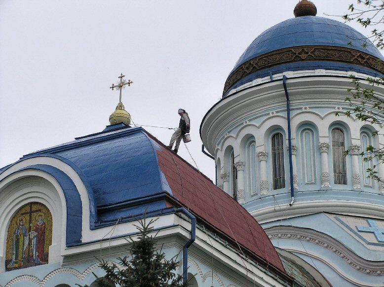 """фото """"а в Молдавии крыши на храмах синие.."""" метки: ,"""
