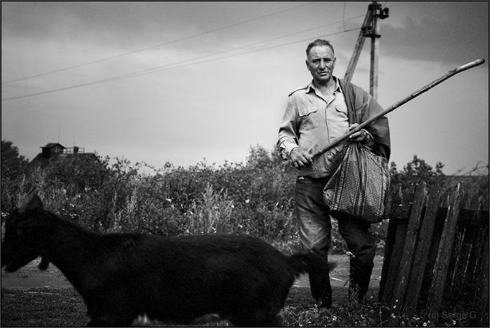 """фото """"Фотография с черным козлом"""" метки: жанр, черно-белые,"""