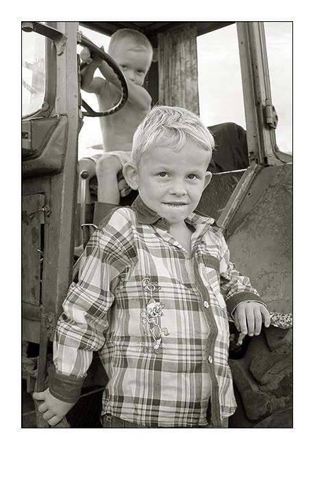 """photo """"Armorers"""" tags: genre, portrait, children"""