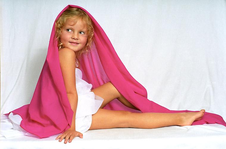 """photo """"Lana"""" tags: portrait, children, woman"""