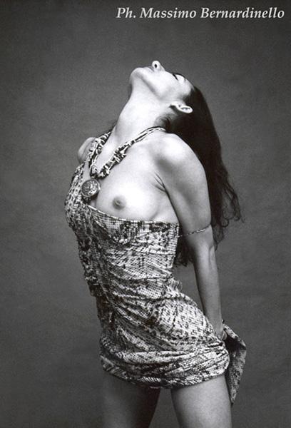 "photo ""Veronica I"" tags: nude, black&white,"