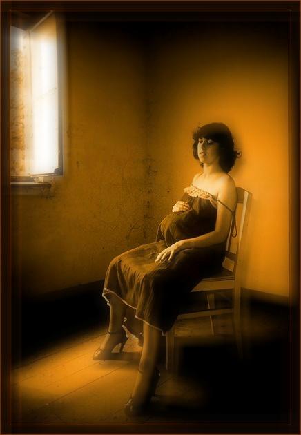 """photo """"pregnant"""" tags: portrait, woman"""