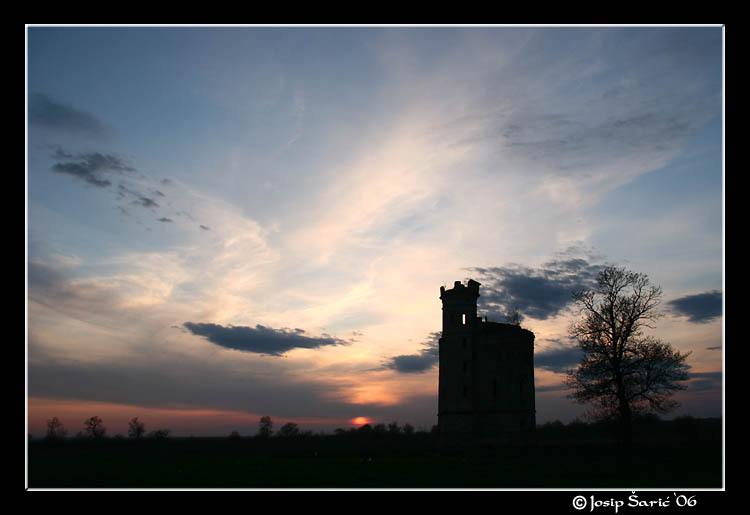 "photo ""Tower In Sunset"" tags: architecture, landscape,"
