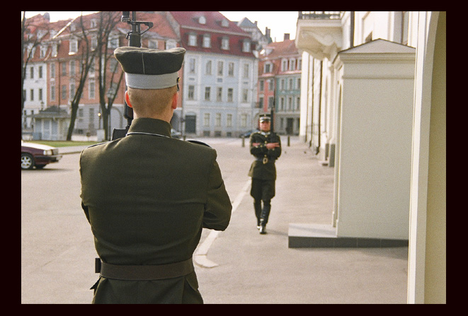 "photo ""Guard"" tags: travel, reporting, Europe"
