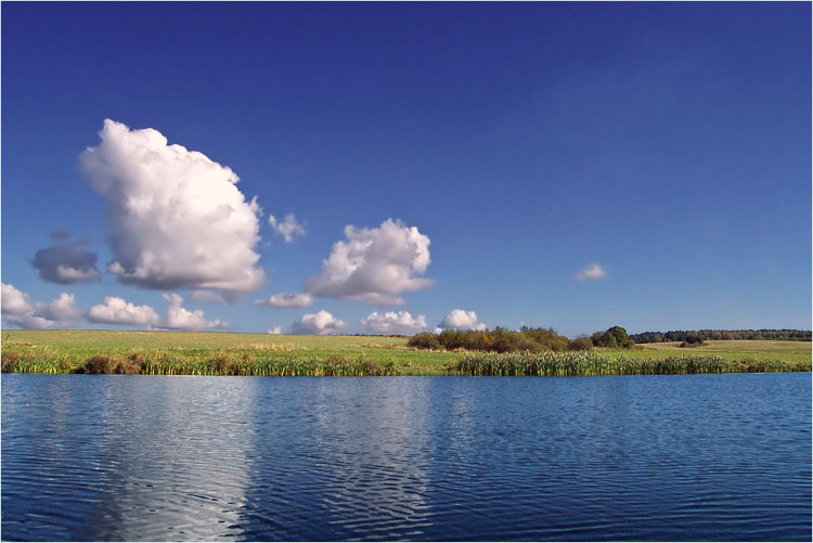 """photo """"* * *"""" tags: landscape, clouds, water"""