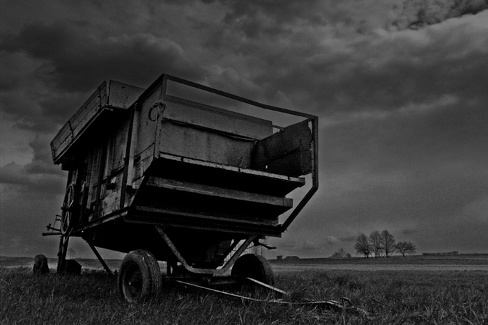 "photo ""the last stagecoach..."" tags: black&white,"