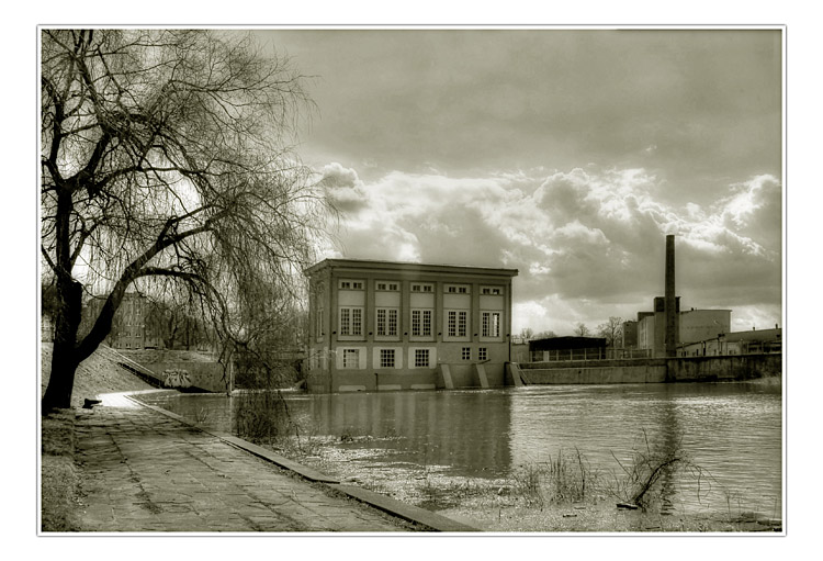 "photo ""the factory"" tags: architecture, landscape,"