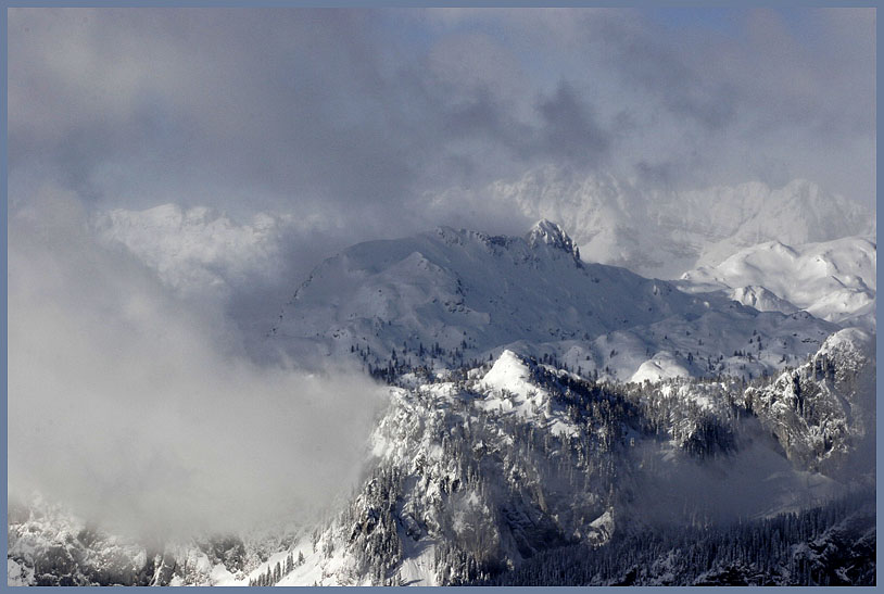 "photo ""The Clouds' Level"" tags: landscape, mountains, winter"