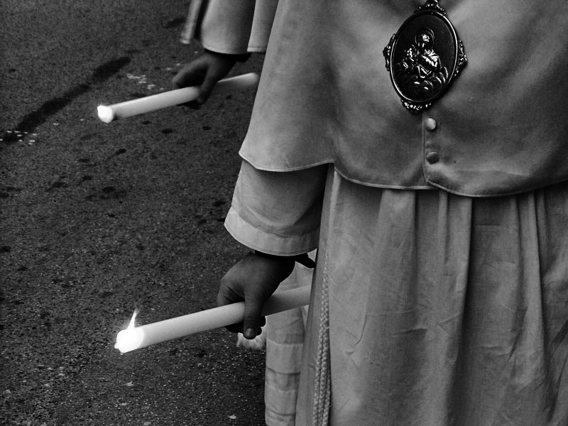 "photo ""Burning Faith"" tags: black&white, reporting,"