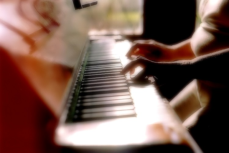 """photo """"The Piano II"""" tags: glamour, misc.,"""