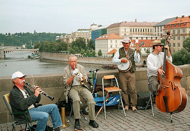 "фото ""Мы бродяяячие артисты..."" метки: портрет, путешествия, Европа, мужчина"