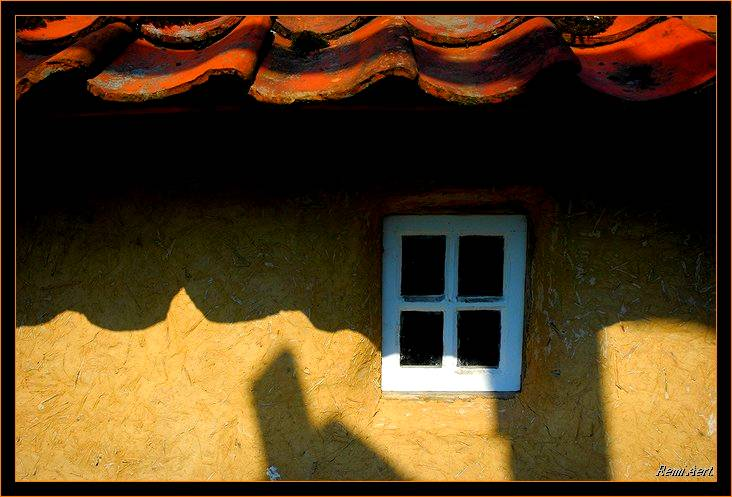 "photo ""little window"" tags: architecture, still life, landscape,"