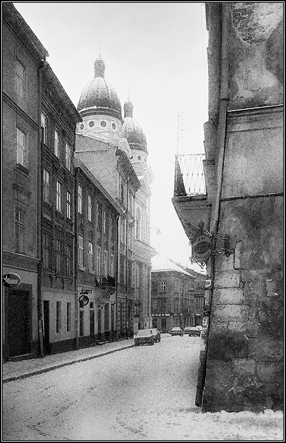 "photo ""The Krakow street, а corner of the Armenian street"" tags: architecture, black&white, landscape,"