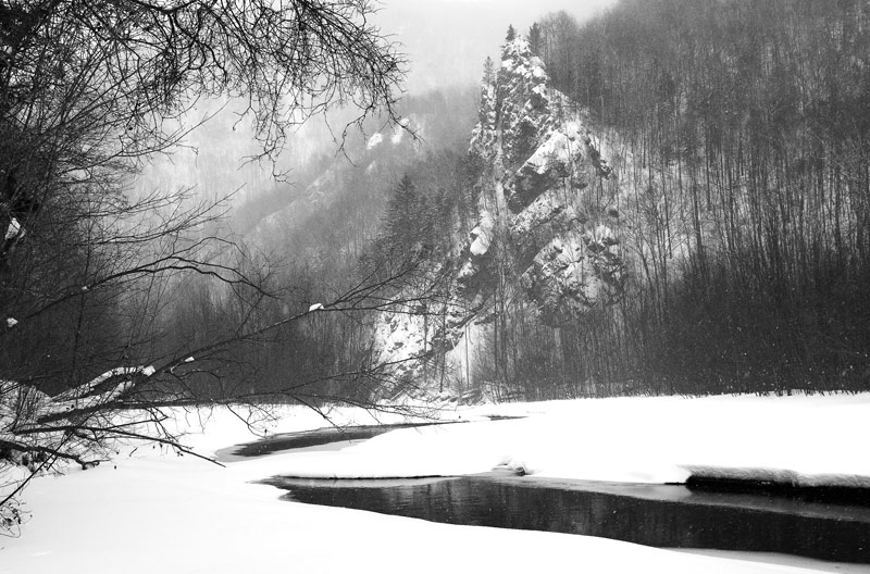"photo ""Rock"" tags: landscape, mountains, winter"