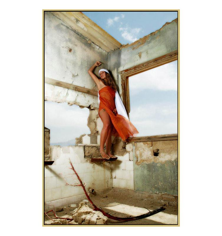 "photo ""Dead Sea, Dead Walls"" tags: glamour, portrait, woman"