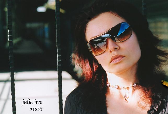 "photo ""railway mood"" tags: portrait, glamour, woman"