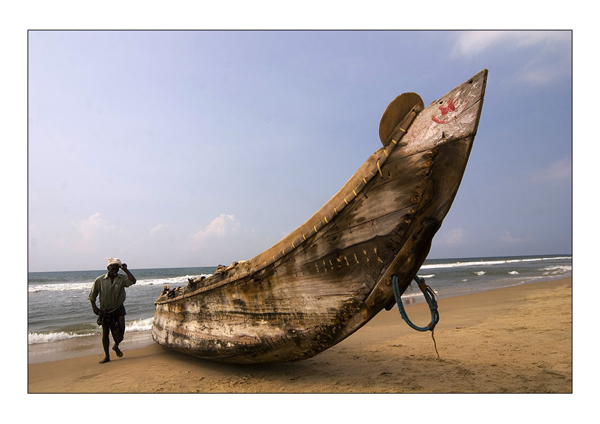 "photo ""The fisherman and boat"" tags: travel, misc., Asia"