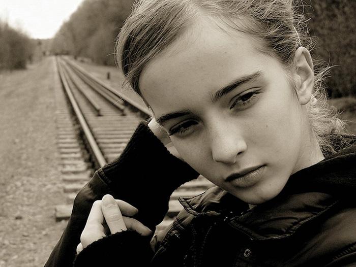 "photo ""trainspotting..."" tags: portrait, woman"