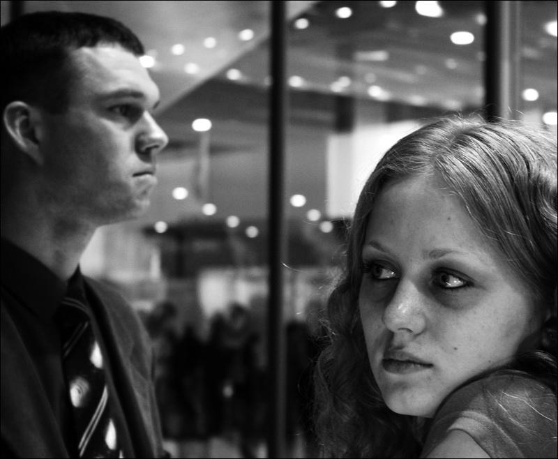 """photo """"Glances"""" tags: portrait, genre,"""