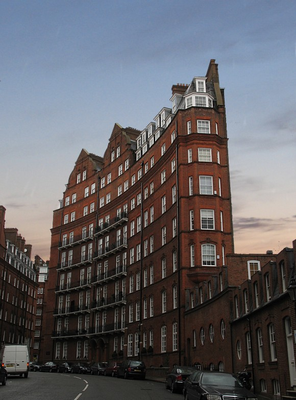 "photo ""Bricks of London"" tags: architecture, landscape,"
