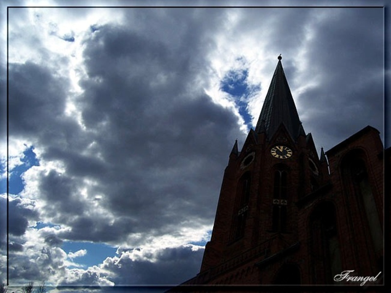 "photo ""Dark light...a message is coming !"" tags: genre, landscape, clouds"