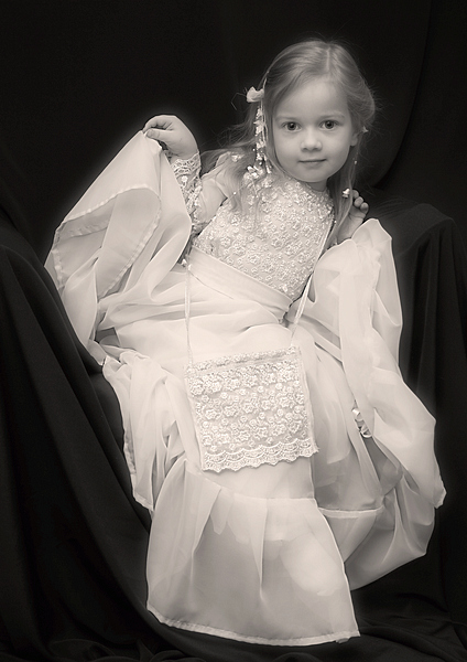 "photo ""(название ассоциативное)"" tags: portrait, glamour, children"