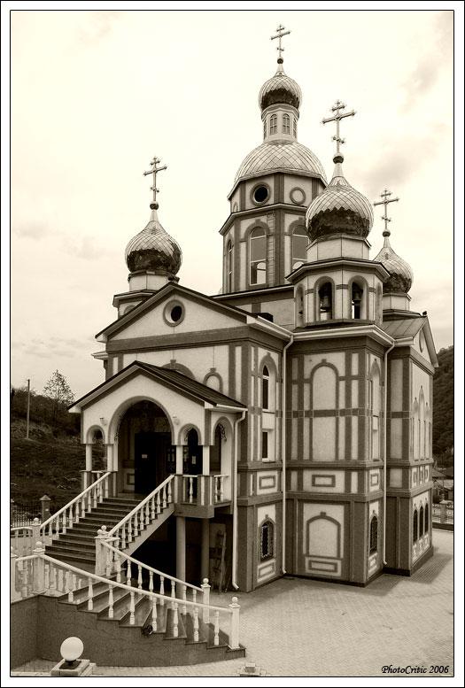 """фото """"Новая церковь в поселке Агой"""" метки: архитектура, черно-белые, пейзаж,"""