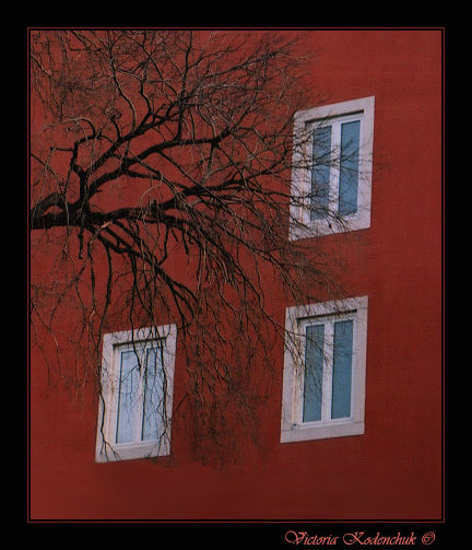 "photo ""Windows"" tags: genre, travel, Europe"