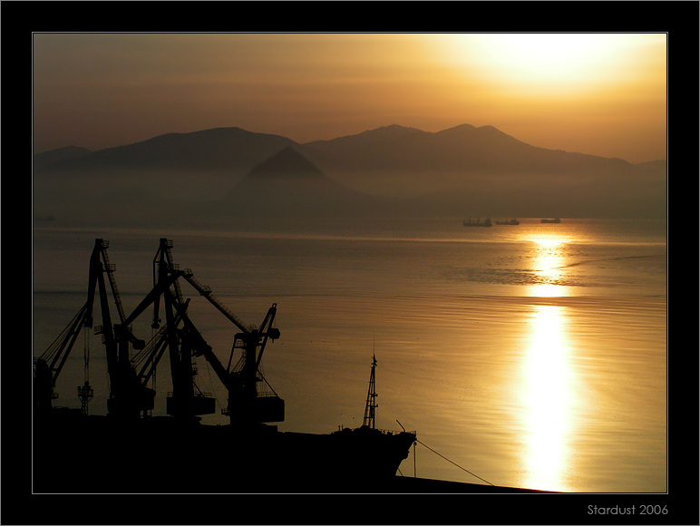 "photo ""Рассвет в городе у моря"" tags: landscape, sunset, water"
