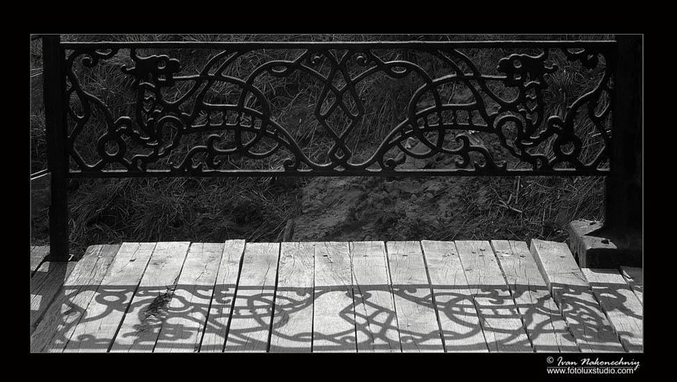 "фото ""Тени прошлого..."" метки: черно-белые, разное,"