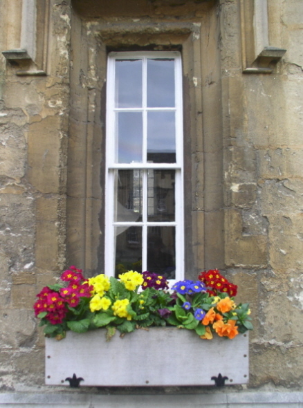 "photo ""Flowers in the window"" tags: travel, Europe"