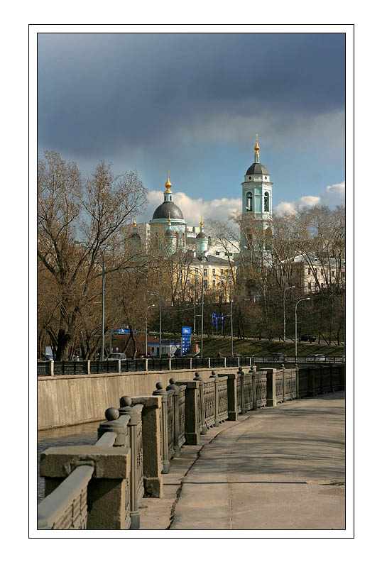 "photo ""Sketches of Moscow - Nikoloyamskaya embankment"" tags: architecture, landscape, water"