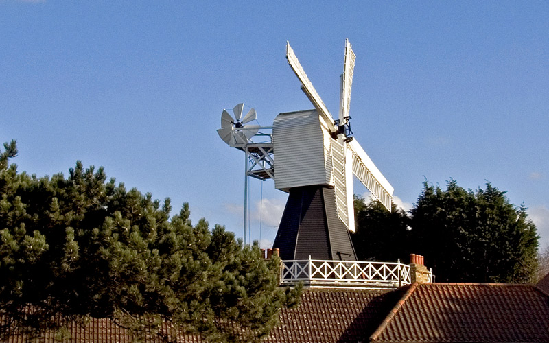 "photo ""Windmill on a roof"" tags: travel, Europe"