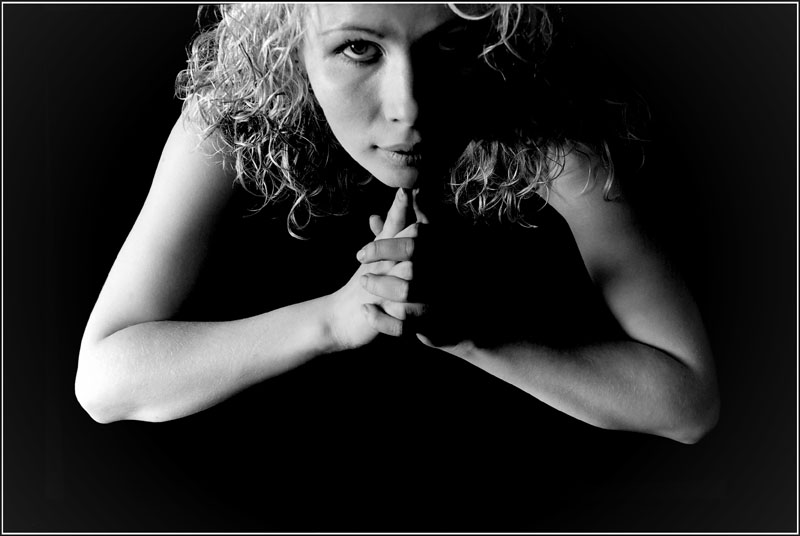 "photo ""034"" tags: portrait, black&white, woman"