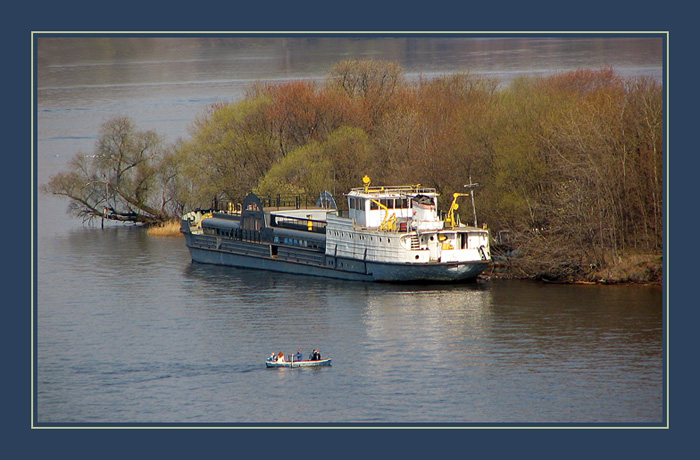"photo ""On boarding!"" tags: landscape, spring, water"