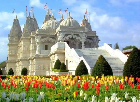 "photo ""London - Shri Swaminarayan Mandir"" tags: architecture, landscape,"