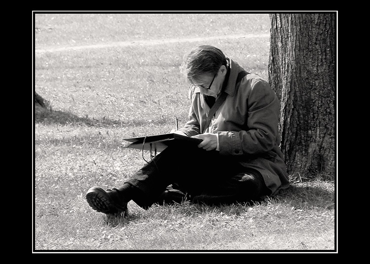 "photo ""I write down ideas that would not escape..."" tags: genre, black&white,"