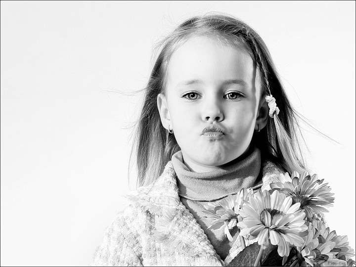 "photo ""-*-*-*-"" tags: portrait, black&white, children"