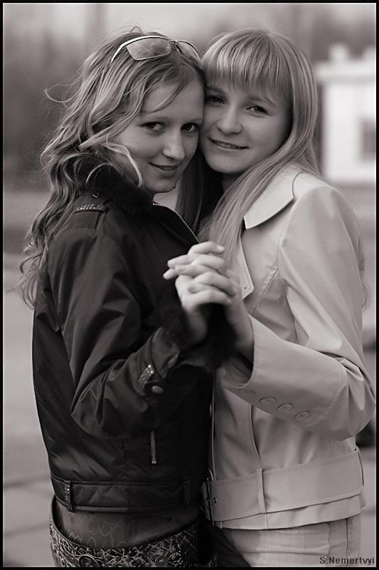"""фото """"Две подружки"""" метки: портрет, черно-белые, женщина"""