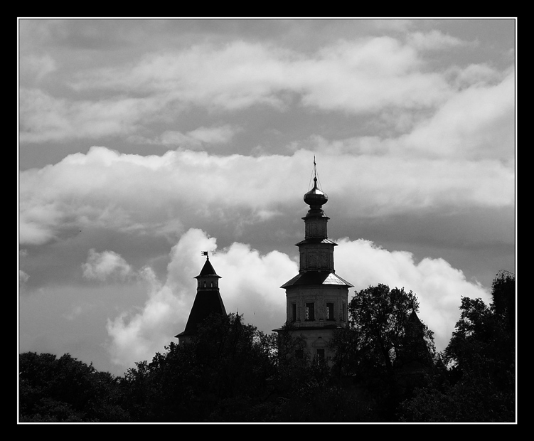 "photo ""***"" tags: architecture, black&white, landscape,"