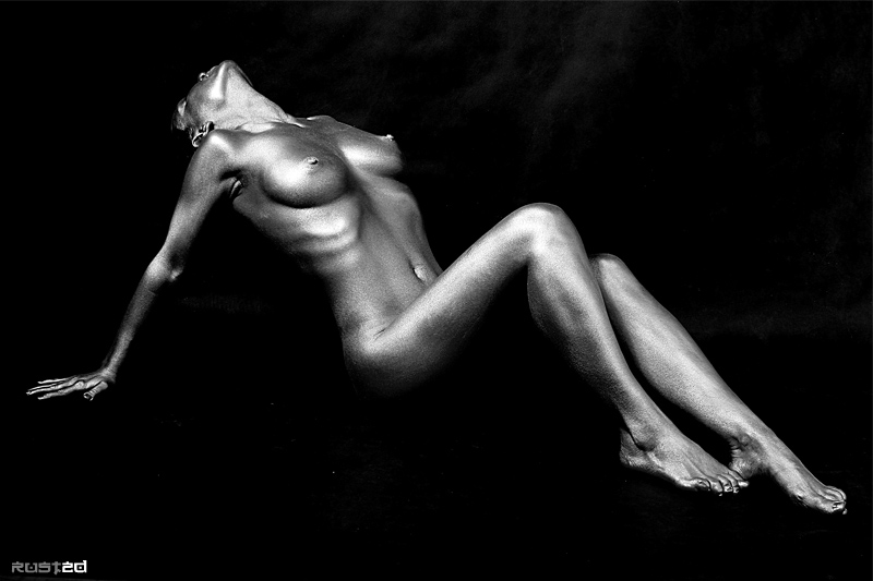 "photo ""Silver L"" tags: nude,"