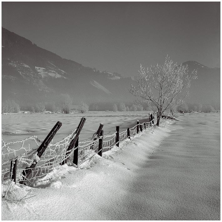 "photo ""Vorjaehrige Schnee - 2"" tags: landscape, black&white, mountains"