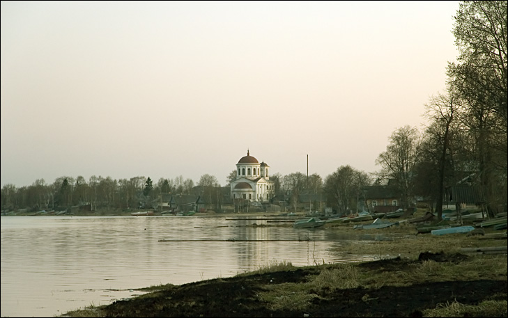 "photo ""Kargopol. View from Onega bank."" tags: architecture, landscape, water"