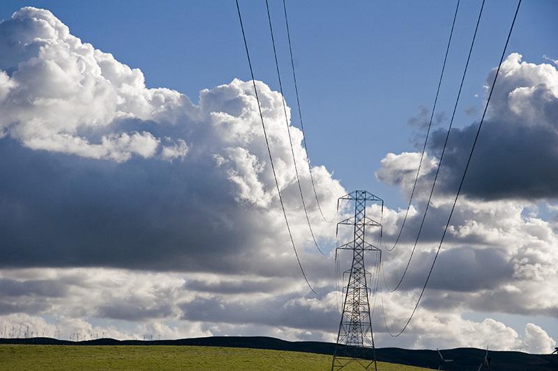"""photo """"the grid"""" tags: landscape, technics, clouds"""