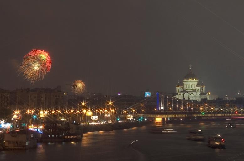 "фото ""Салют в плохую погоду-2, МСК, 09.05.2006"" метки: ,"