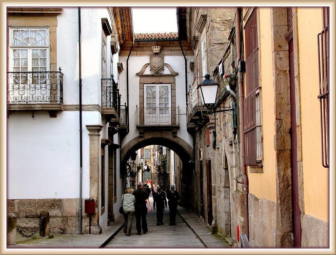 """photo """"Guimaraes"""" tags: architecture, travel, landscape, Europe"""