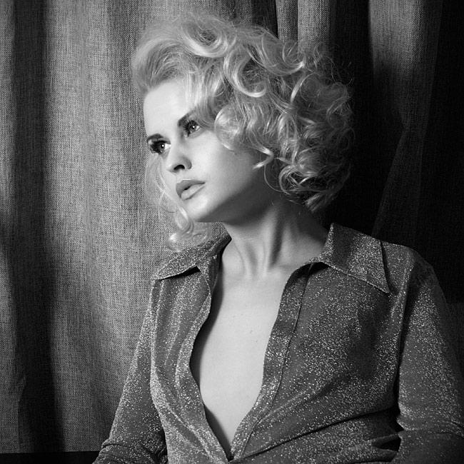 """photo """"***"""" tags: glamour, black&white,"""