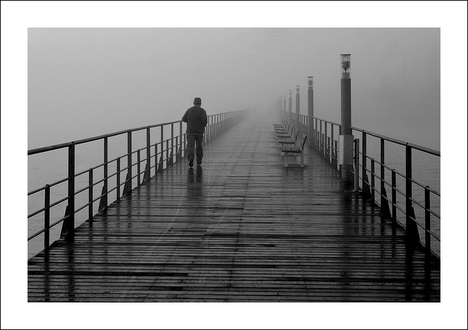 "photo ""His way"" tags: travel, black&white, Europe"