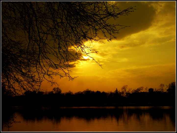"""photo """"How wheater tommorow?"""" tags: landscape, sunset, water"""